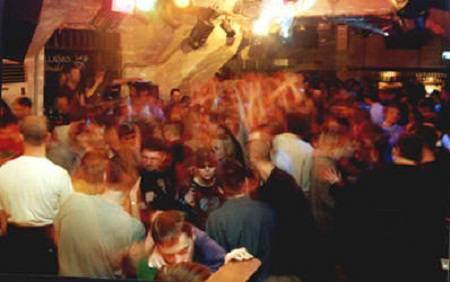 Подработка ночной клуб москва образ поход в ночной клуб