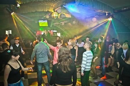 Клуб в ангаре в москве ночные клубы астаны астана